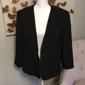 Jones Studio black blazer